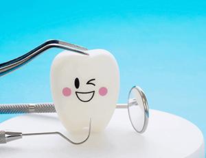 O que fazer quando o dente de leite não cai? Entenda aqui